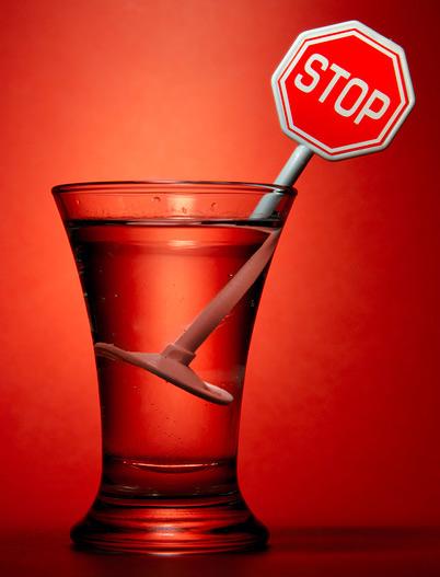Симптомы при первой, второй и третьей стадии алкоголизма