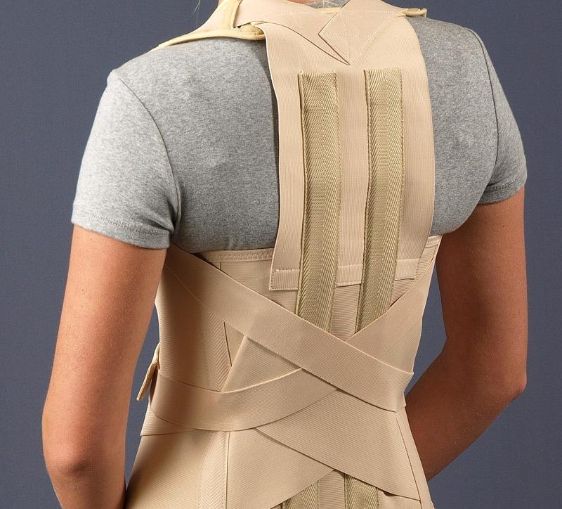 Упражнения для спины при смещении позвонков