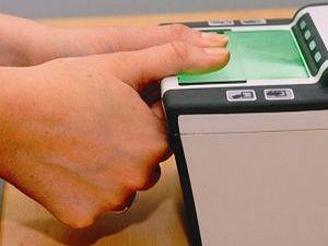 Определить наркотические вещества в организме теперь можно будет по отпечатку пальцев