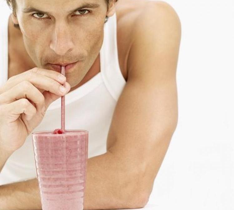 Спортивные напитки на основе белка бесполезны
