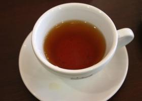 От инсульта и диабета защищает черный чай