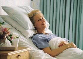 Основные симптомы перелома шейки бедра
