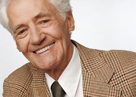 Зубное протезирование для пожилых людей