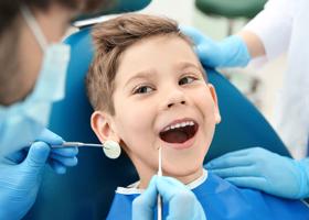 Удаление молочных зубов у детей