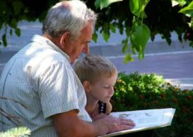 Чтение активизирует мыслительные способности пожилых людей