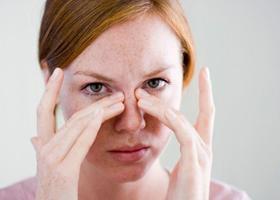 Сильно болят глаза