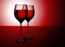 Красное вино предотвращает тяжелые болезни у мужчин