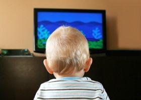 Телевизор в детской спальне провоцирует ожирение у детей