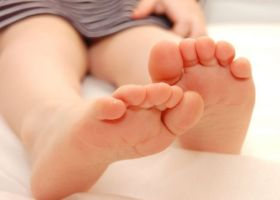 Как удалить грибок ногтей ног