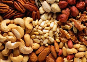 Орехи снижают риск развития онкологических недугов у женщин