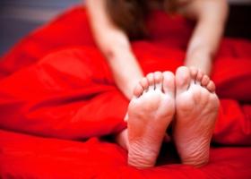 Онемение стоп ног