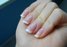 Изменение цвета ногтей на руках