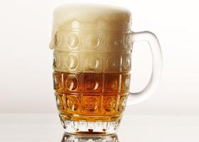 Пиво ухудшает память, но защищает от рака