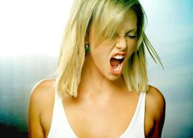 Боль в горле и потеря голоса