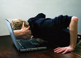 Интернет-зависимость схожа с наркоманией и алкоголизмом