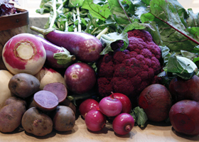 Фиолетовые овощи и фрукты защищают от солнечного излучения