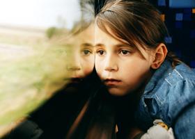 Девочки-подростки подвержены депрессии больше, чем мальчики