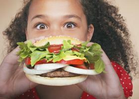 Нездоровая пища вызывает расстройства психики
