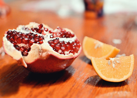 Цитрусовые и плоды граната предупреждают онкологические болезни у женщин