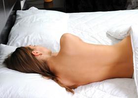 Спать без пижамы полезно для здоровья
