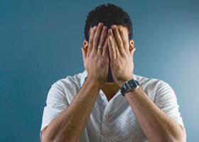 Тревожность усложняет принятие решений, но защищает от опасности