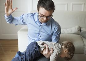 Шлепанье ребенка опасно для его психики и здоровья