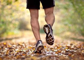 Бег полезнее для костей, чем плавание и велоспорт