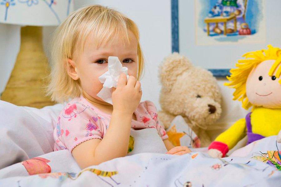 Как лечить насморк у ребенка в 2 года и старше?
