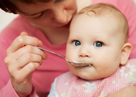 Прикорм для ребенка в 4 месяца