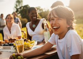 Снятие родительского табу на спиртное ведет к подростковому алкоголизму