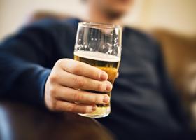 Пиво ухудшает память, шампанское — укрепляет