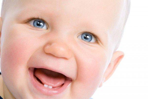 Как прорезываются зубы у грудничков фото