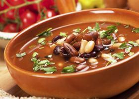 Диетический суп из фасоли на фото