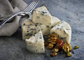 Сыр с плесенью продлевает жизнь