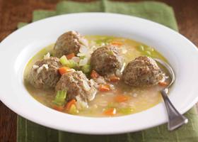 Фото диетического супа с фрикадельками и рисом