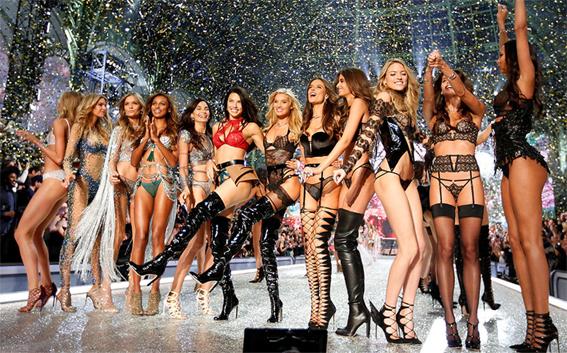 Модное шоу Victoria's Secret 2016