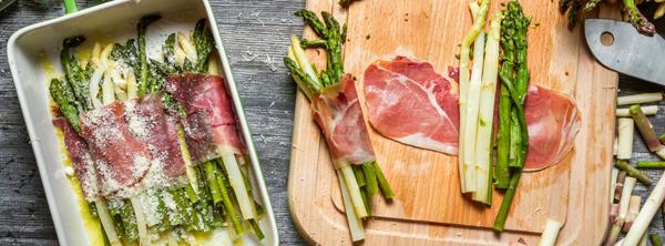 Червено месо и аспержи боб - перфектният хранителен комплект