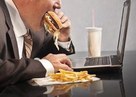 Причиной заболеваний зубов может стать ожирение