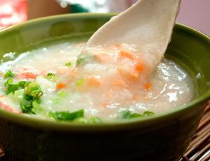 Вязкая рисовая каша с морковью