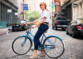 Уменьшить выраженность целлюлита помогут ходьба и велосипедные прогулки