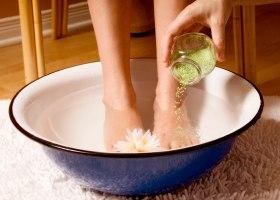 Народные методы для устранения неприятного запаха ног