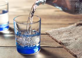 Стоит ли пить в день восемь стаканов воды?