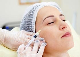 Уколы препаратов ботулотоксина в косметологии