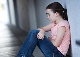 Несчастливое детство ведет к преждевременному старению