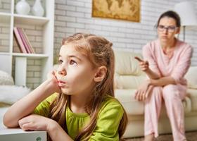 У строгих матерей более успешные дети?