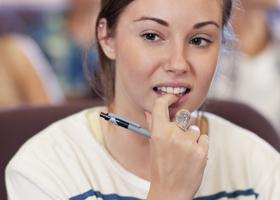 Грызть ногти — полезная привычка?