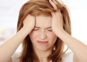 Почему болит голова в области лба?
