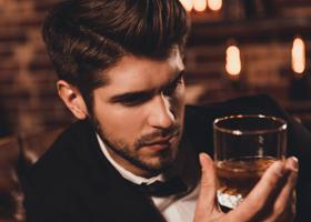 Крепкие напитки повышают ощущение сексуальности