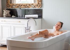 Теплая ванна полезнее душа