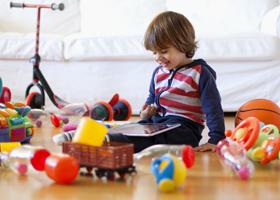 Большое количество игрушек препятствует развитию малыша